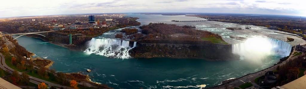 Chutes du Niagara - panorama - JD Andrews