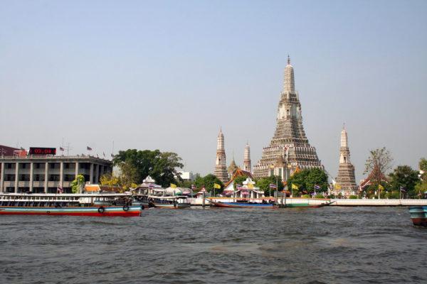 temple - wat arun - bangkok